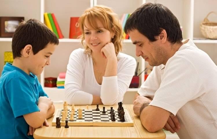 Çocukların satranç öğrenmesi matematik derslerini etkiler mi?