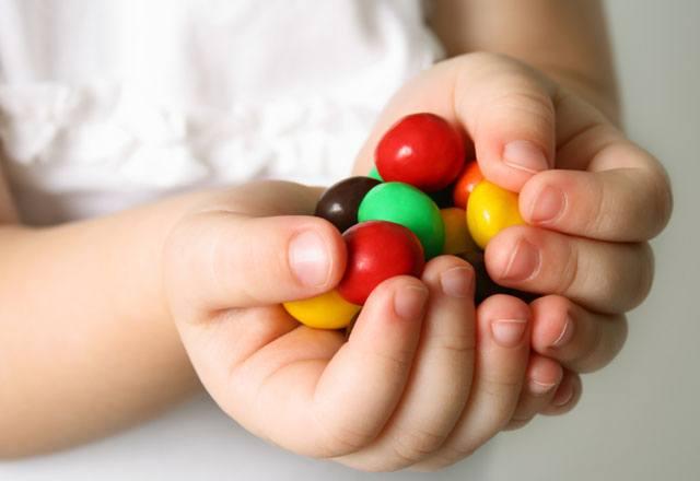 Ders öncesi şeker tüketimi uyku yapar