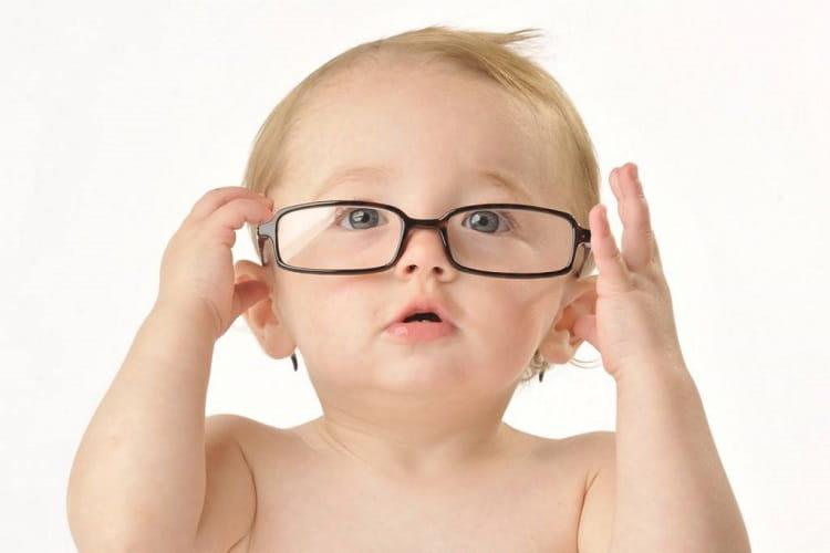 Bebekler ve çocuklarda göz sağlığı ihmal edilmemeli