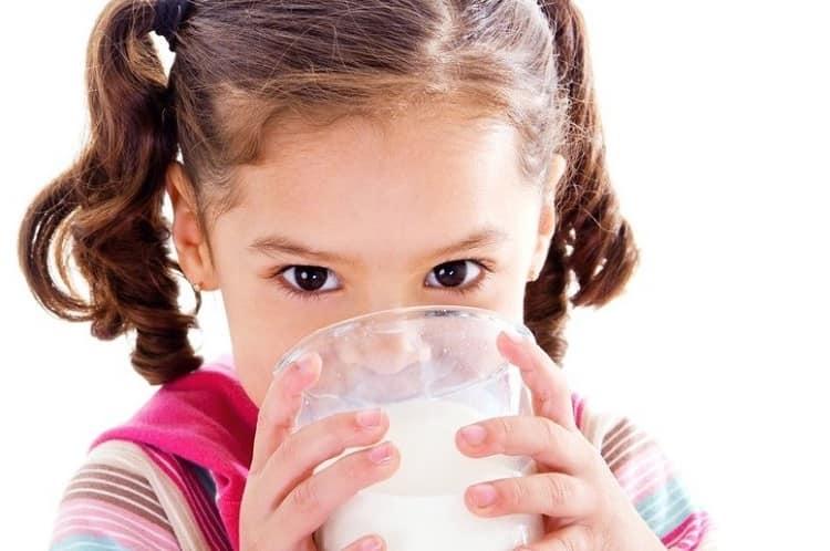 Süt alerjisi belirtileri ve tedavi yaklaşımı nasıldır