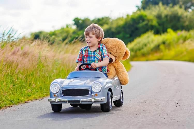 Çocuklar için sağlıklı oyuncak seçimi nasıl olmalı