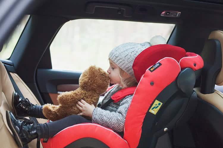 Çocuk oto koltuğunu kullanırken sık yapılan hatalar