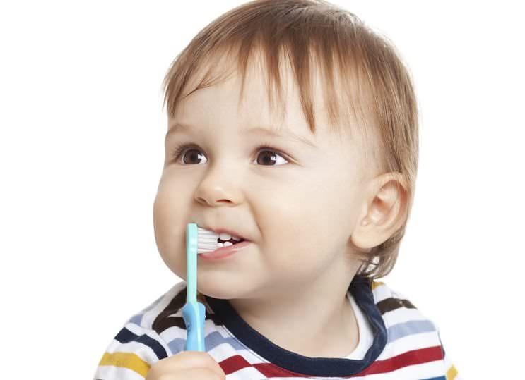 Süt dişlerini korumak kalıcı dişler için de önemli